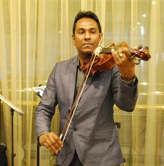 Live music at the Stamford Plaza High Tea
